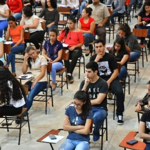 Mañana arranca la postulación a becas universitarias Itaipu-Becal 2020